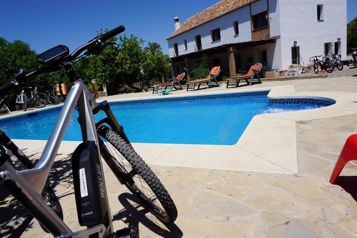 eBike, pool and Finca